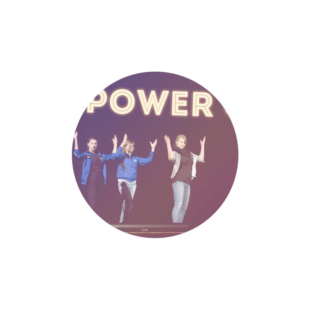 Revue mit Power (2015)